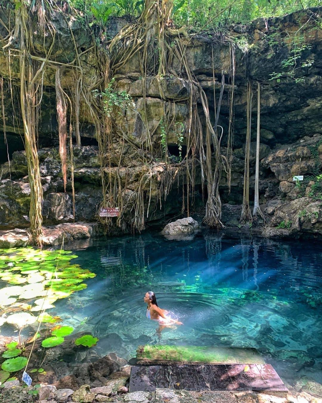 cenote Xbatún