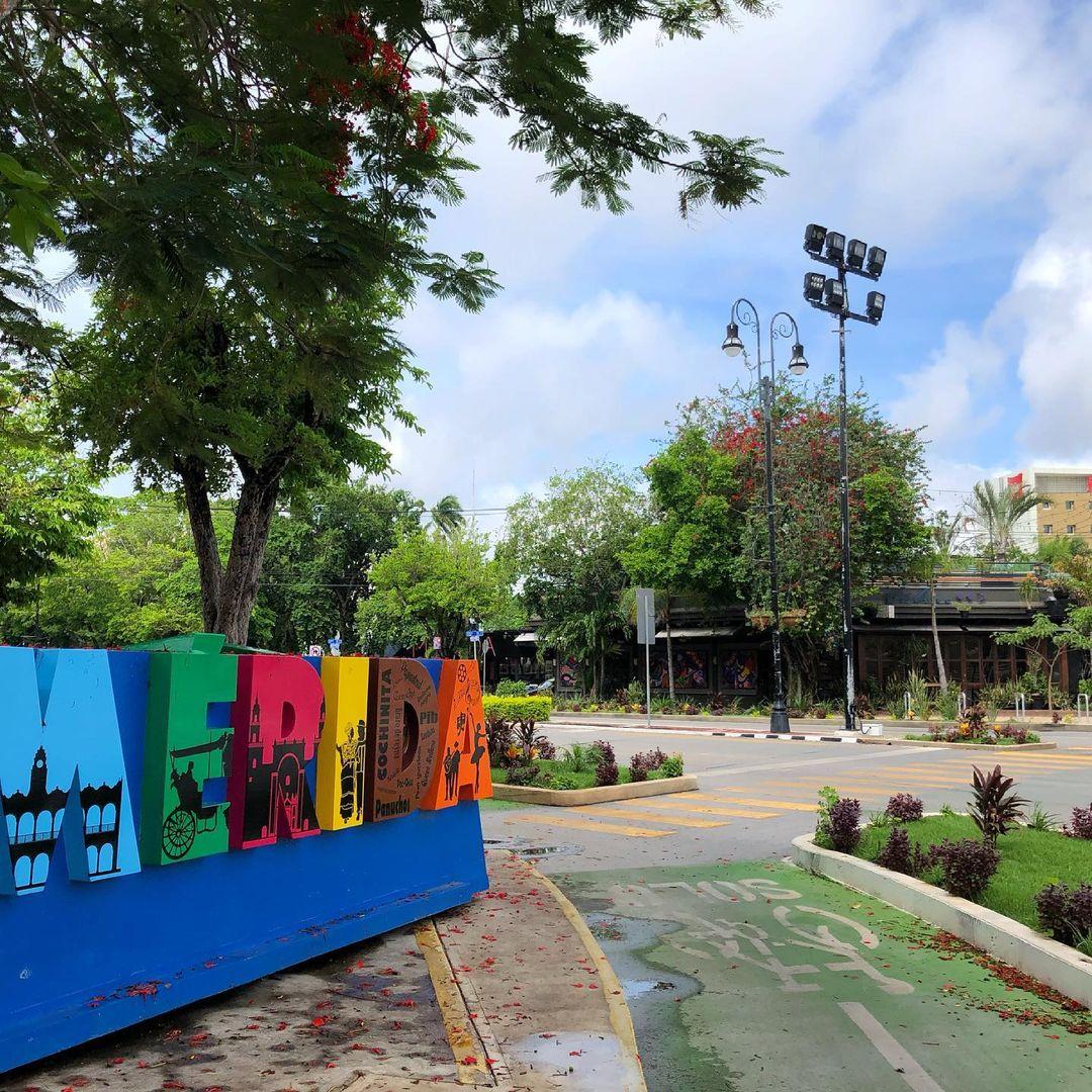 Ciclovía en Paseo de Montejo, Mérida, Yucatán.