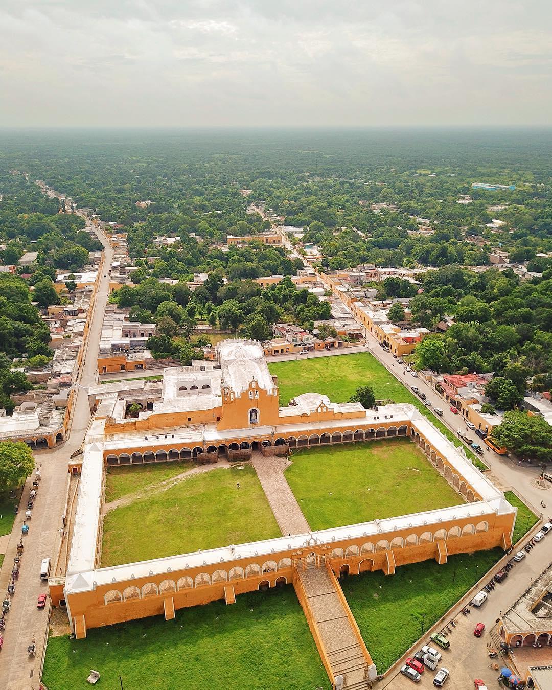 Iglesia de izamal yucatan, convento san antonio padua, top iglesias yucatan, yucatan churches