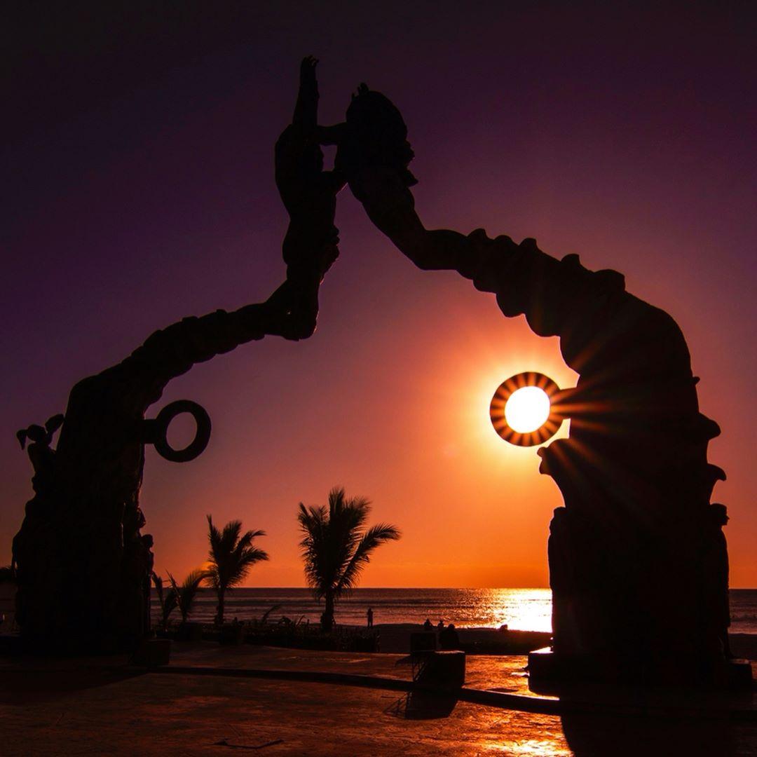 parque fundadores playa del carmen, el portal maya, quinta avenida, top yucatan