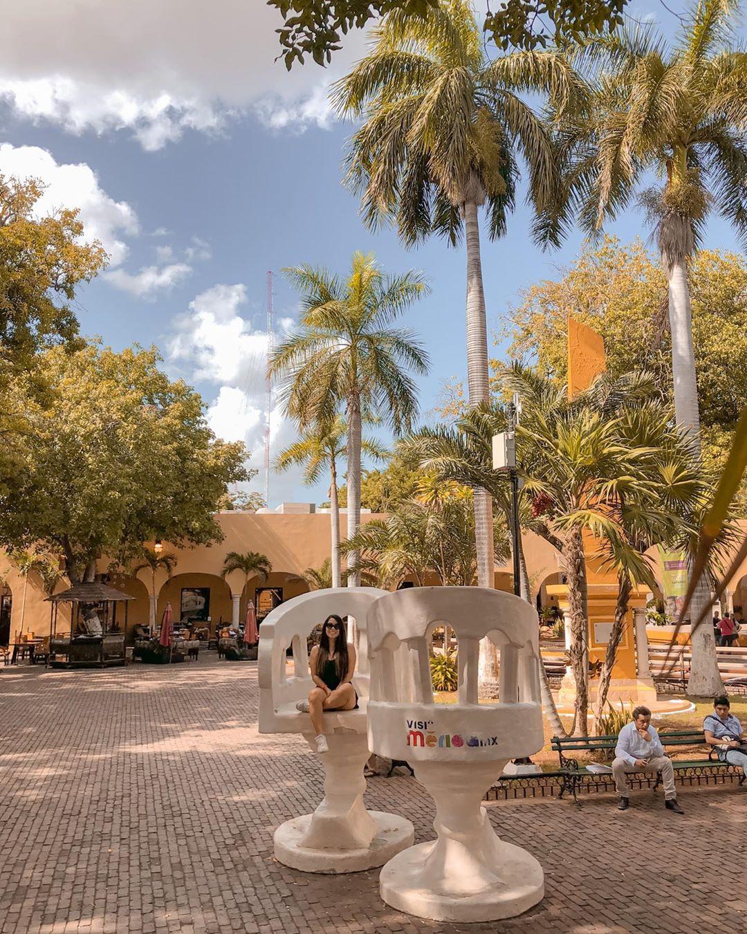 Parque de Santa Lucia Merida Yucatan trova yucateca sillas confidentes TOP Yucatan Instagram merida