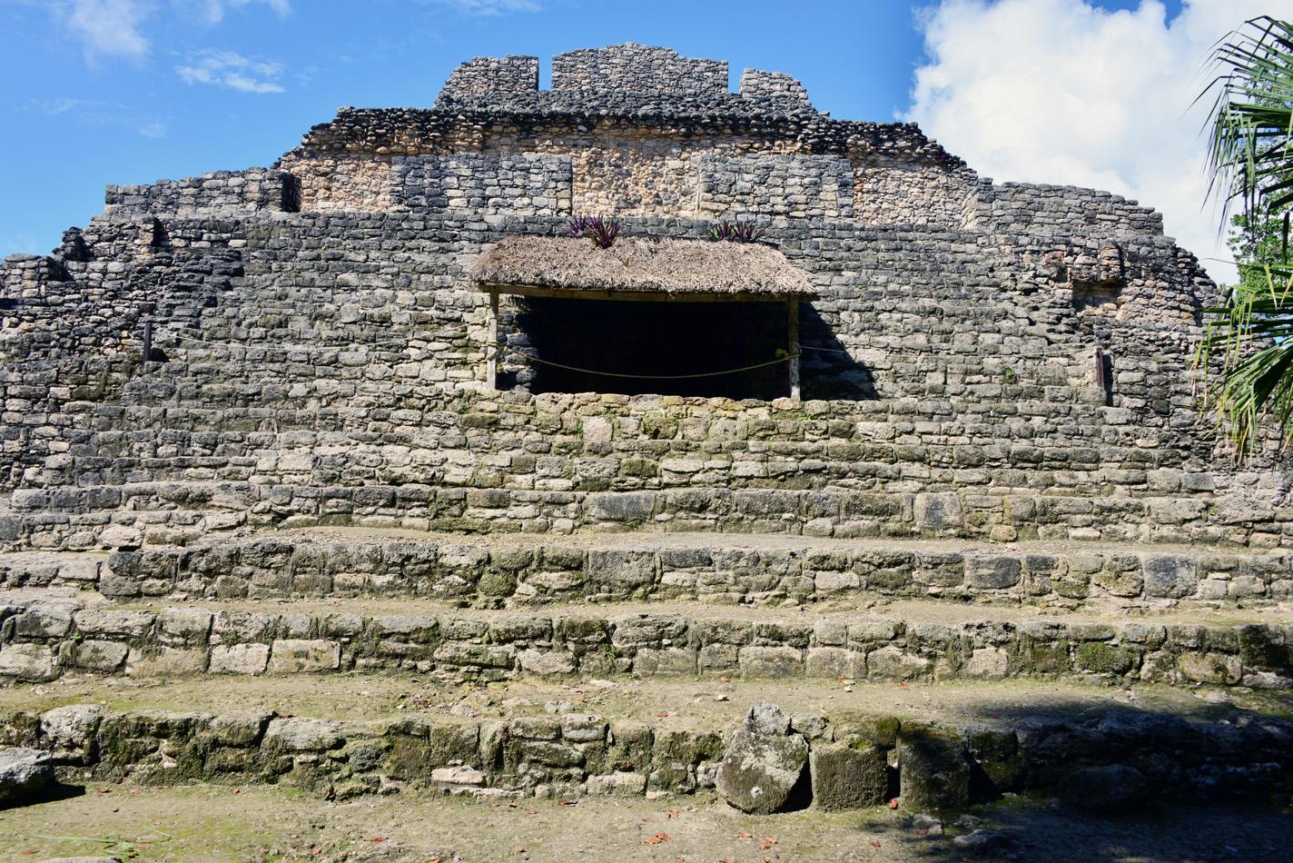 chacchoben templo 24