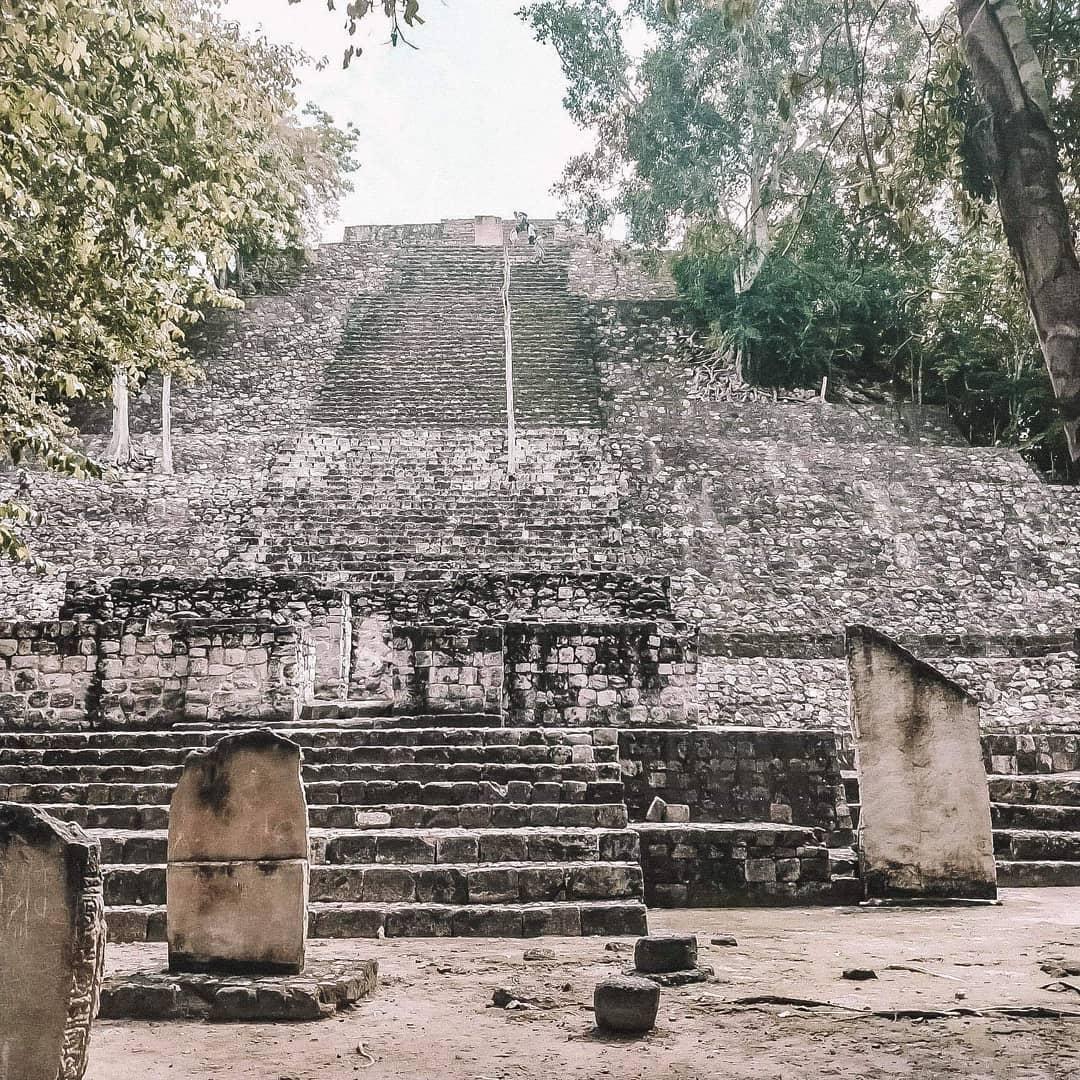 calakmul gran plaza