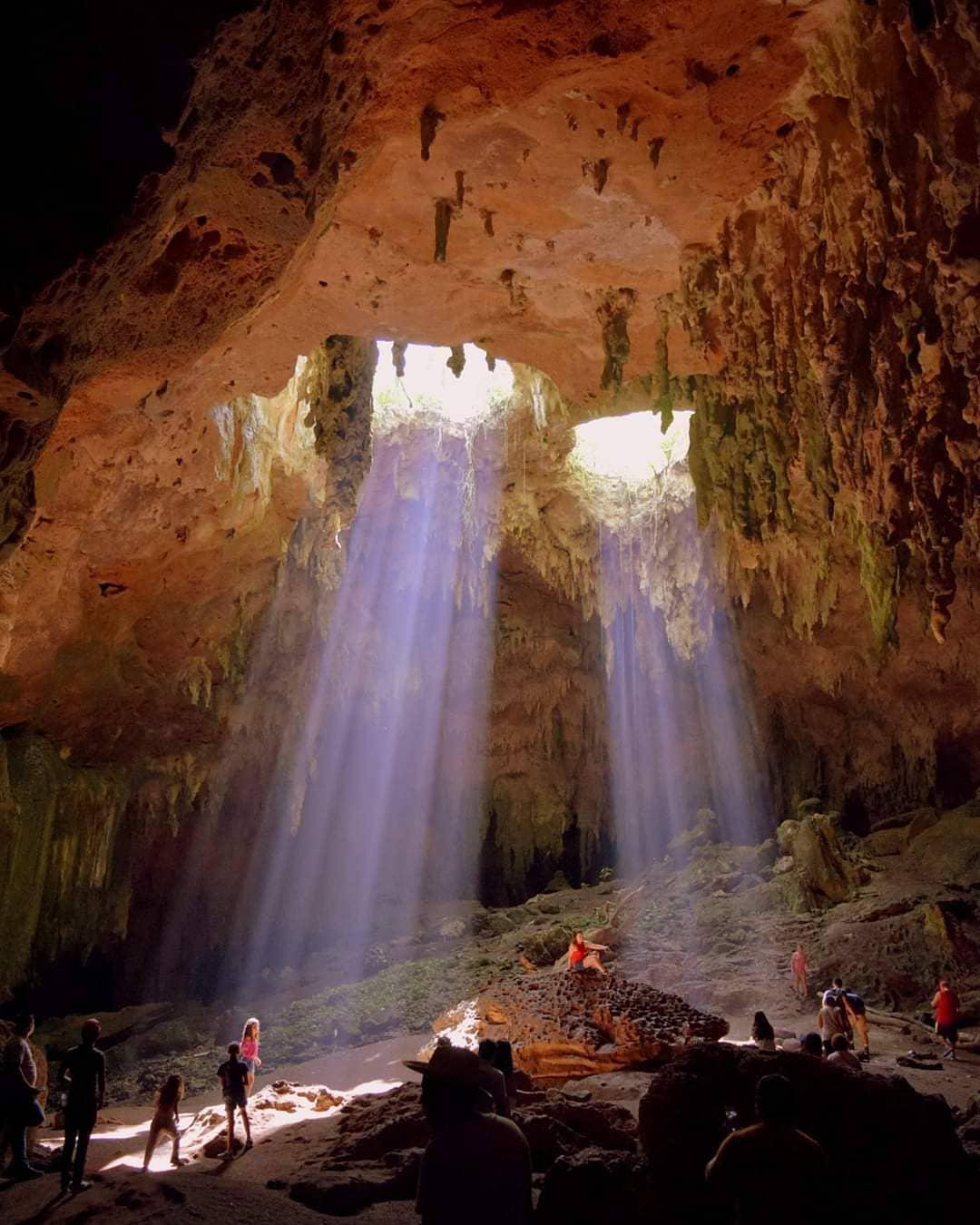 estalactitas en las grutas de loltún