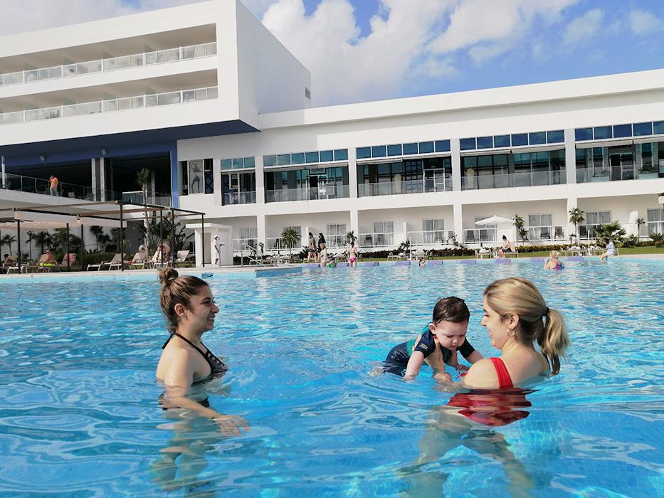 RIU Palace Costa Mujeres Hotel Pool familia