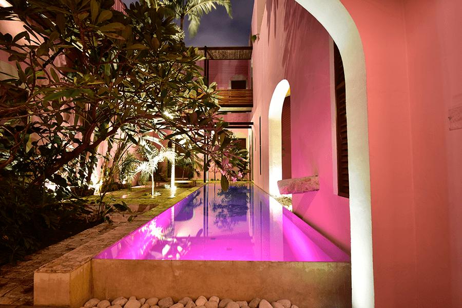 ALBERCA PISCINA ROSAS & XOCOLATE HOTEL BOUTIQUE EN MERIDA PASEO DE MONTEJO