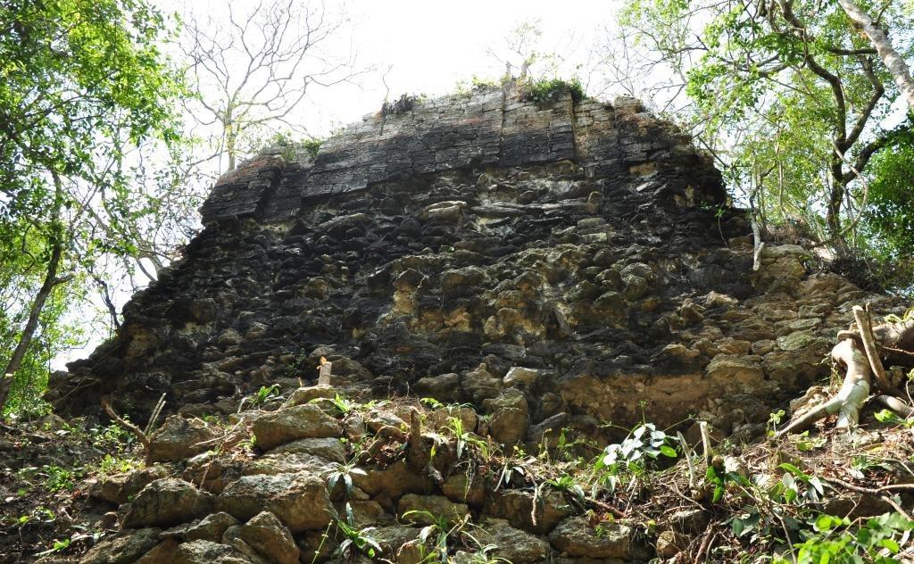 Tamchen zona arqueologica