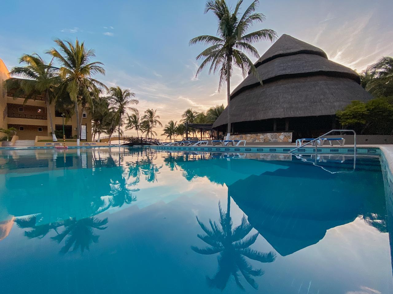 Hotel reef yucatan en Telchac Puerto fiestas patrias