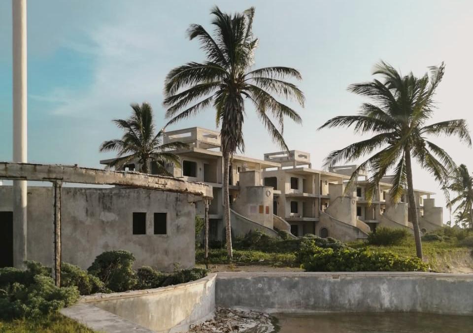 Así es por dentro el misterioso Hotel Abandonado de Telchac Yucatán