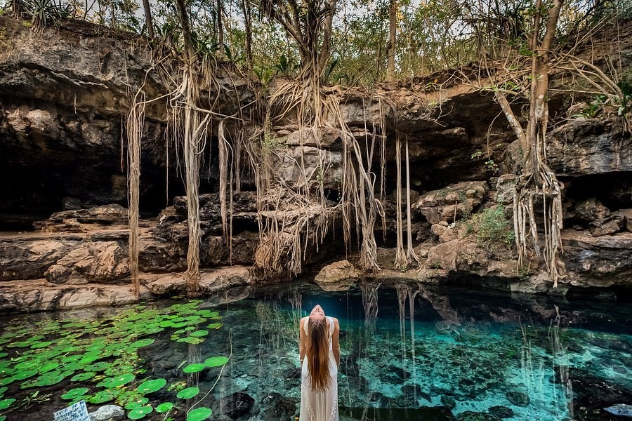 Cenote X-Batún, un lugar que parece de otro planeta.