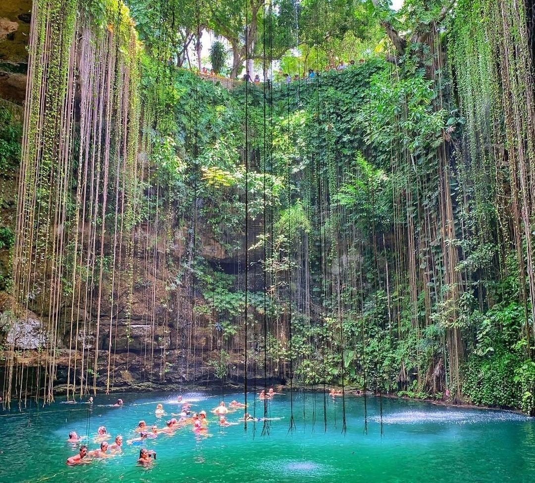Cenote Xcanché, un manantial de tonalidades verdes