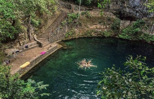Cenote Xla'kaj, La espectacular piscina natural rodeada de piedra