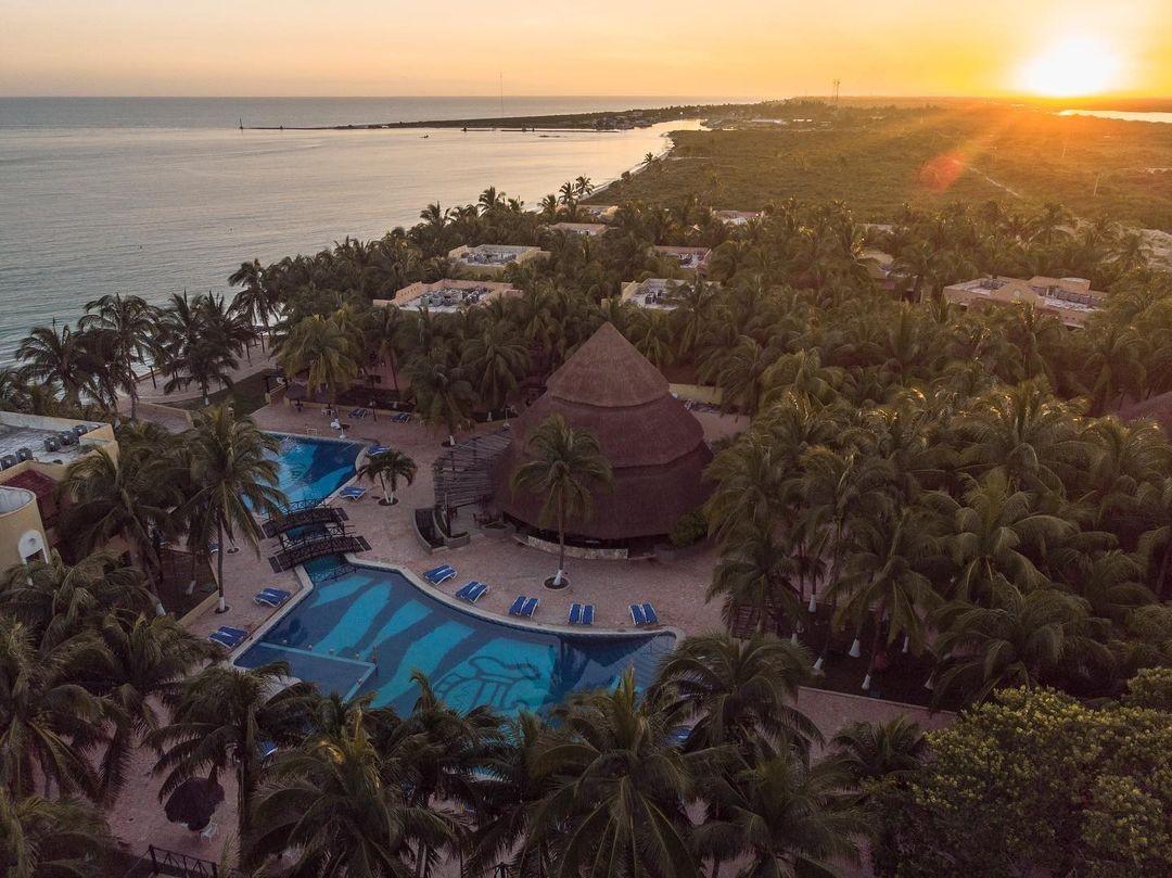 El Hotel Reef Yucatán recibe certificado GOLD CROWN 2021