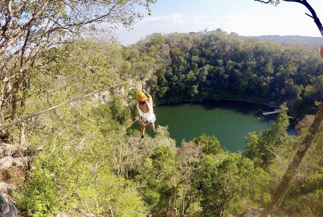 El impresionante Cenote Azul en Campeche