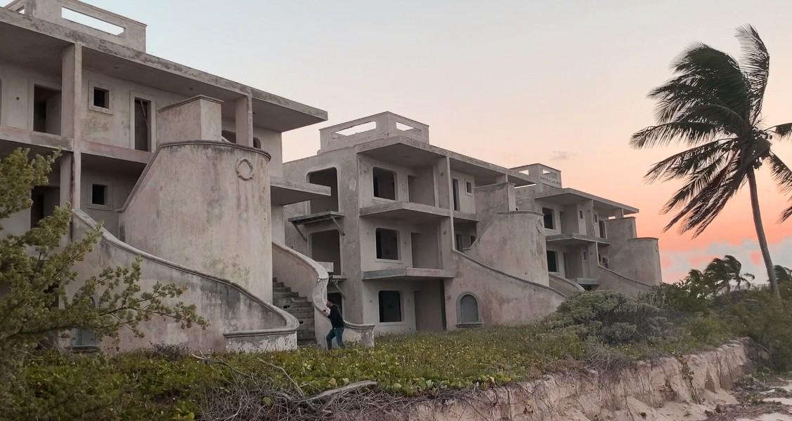 Hotel Fantasma a la orilla del mar de Telchac (VIDEO)