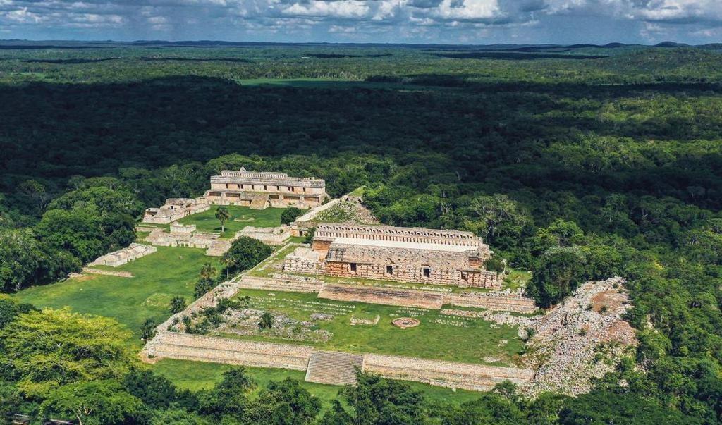 Kabah, la Zona Arqueológica más poderosa en Yucatán