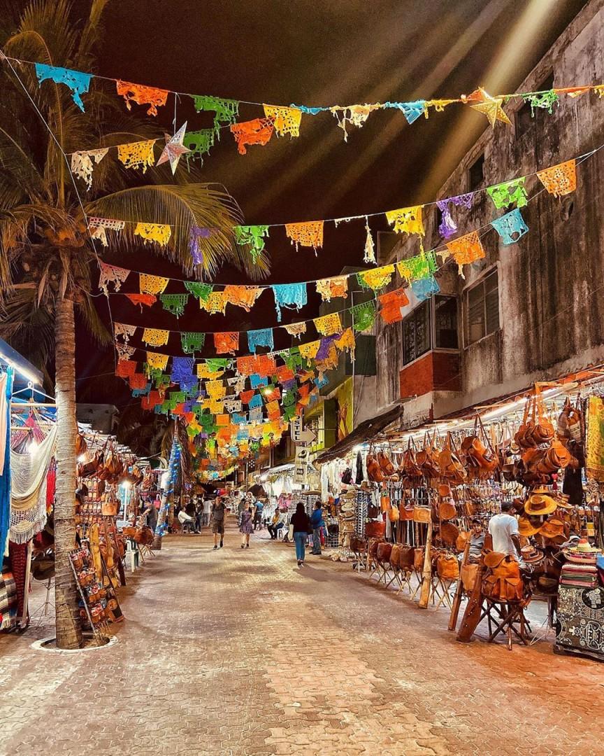 La Quinta Avenida, el corazón de Playa del Carmen