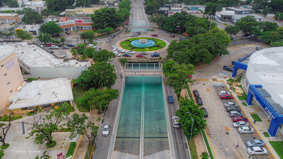 ¿Por qué es azul el agua de las inundaciones subterráneas en Mérida?