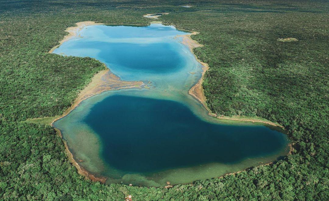 Punta Laguna,  El escondido manantial de agua azul entre Chemax y Cobá