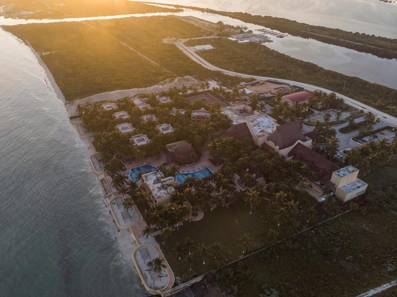 Reef Yucatán, El hotel oculto entre la playa y la laguna de Telchac