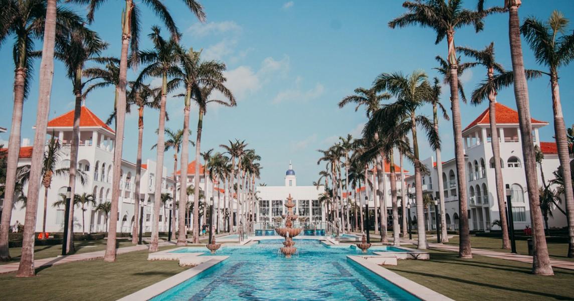 RIU Palace México, Un Radiante Hotel en Playa del Carmen
